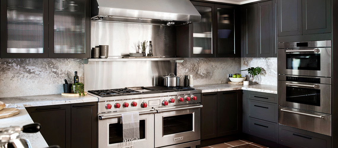 Design ideas for U-shaped kitchen layouts.